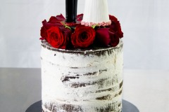 16. Single Tier with Fresh Red Roses